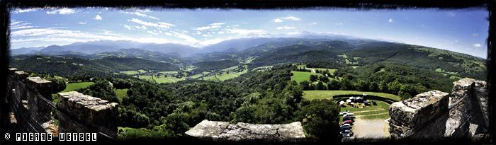 Vue des Pyrénées depuis le château de Mauvezin