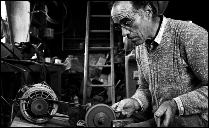Robert à son atelier